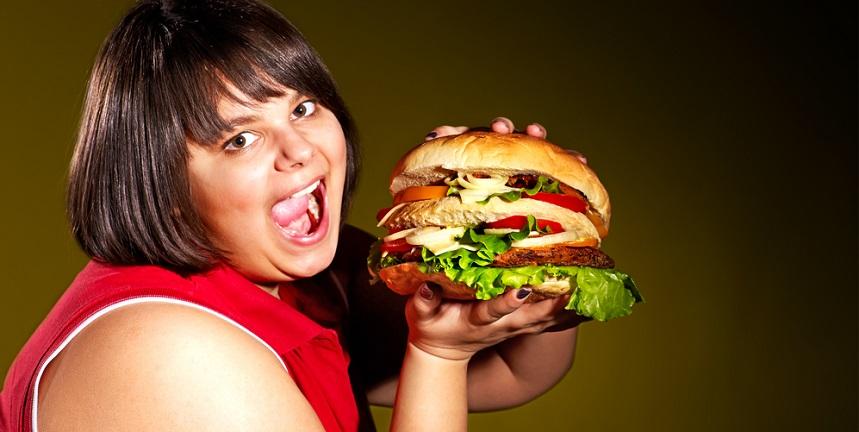 ¿La comida chatarra causa adición? Descubre si es mito o realidad