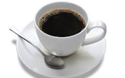 ¿Es recomendable tomar bebidas con cafeína o no?